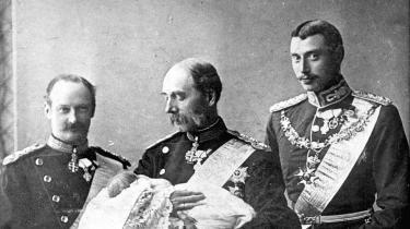 Journalist og jurist Poul Smidt har skrevet en længe savnet kritisk Frederik 8.-biografi med hovedvægt på de politiske manøvrer omkring ham i hans 43 år som kronprins og i hans ultrakorte kongegerning