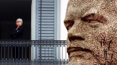 En statue af Lenin på Rathaus-Bridge i Zurich i 2004 var en del af kunstværket 'Lenin on Tour' af den tyske kunstner Rudolf Herz.