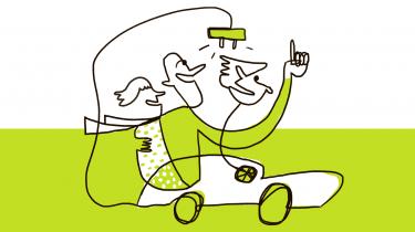 AFSNIT 6: Solceller på hustaget og elbil i garagen virker som en smart kombination, fordi man kan bruge overskudsstrømmen til at lade bilen op. Informations journalist har fået elbil, men bor i lejlighed i byen. Han er kørt ud til Bent Nielsen og Hanne Smidth, der har sparet syv ton CO2 på deres private forbrug