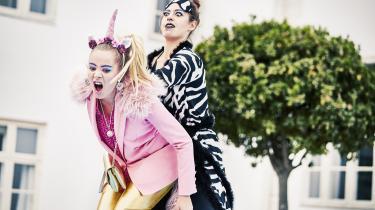 Sarauw og Moth-Poulsen har i deres instruktion sat fokus på det dyriske udtryk. Hver person har et dyrisk alter ego, der afspejler sig i deres bevægelser såvel som i Olivia Hetmans outrerede, farvestrålende kostumer.