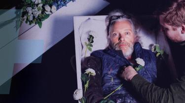 Du behøver ikke bruge tid på at se 'Hornsleth er død'. Ikke fordi den er provokerende dårlig. Den er bare kedelig.