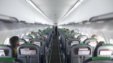 I et klimaperspektiv har flere ngo'er undret sig over, at regeringen med aftalen om flyhjælpepakker har afsat flere penge til luftfarten, end hvad der er blevet brugt på grøn omstilling i transportsektoren i hele det seneste år.