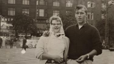 Jan Ole Haagensens forældre blev gift i 1960. Hans far var 18 år og hans mor lige blevet 17. De måtte ansøge om et såkaldt kongebrev for at blive gift. Dengang skulle en kvinde være 18 og en mand 21. Tilladelsen blev dengang givet efter en individuel vurdering.