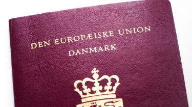 Jeg håber, en dag at leve i et land, hvor det rødbedefarvede pas er nok til, at myndighederne taler dansk til én ved Danmarks grænser, skriver Victor Boy Lindholm