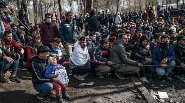 Flere gange i år er Grækenland blevet anklaget for brutalt at holde migranter og flygtninge fra at krydse EU's ydre grænse.