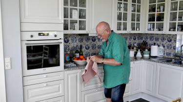 I 2000 flyttede Hans Jørgen Dolleris hjem, og hans mand, Donald, flyttede med. »Det kan lyde indbildsk, men han var glad, når han var sammen med mig. Vi har følt os accepteret i Vestjylland og nydt vores liv på vestkysten.«
