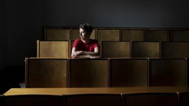 Maria Damkjær underviser på Københavns Universitet og synes, diskussionen om identitetspolitik kan blive afsporet, »som om det er et angreb på os alle sammen, men nej, det er det da overhovedet ikke. Det er et ønske om, at vi skaber plads i vores sprog, så der er plads til alle«.