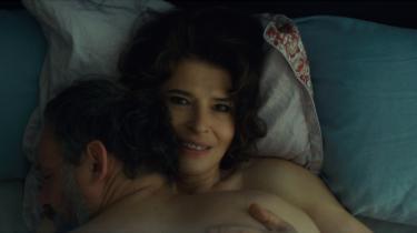 Hovedpersonen Victor drømmer sig i 'La Belle Époque' tilbage til Lyon i 1974, hvor han forelskede sig i Marianne, som siden blev hans kone.