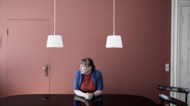 Hvis Joy Mogensen er ved at realisere sin vision om musikskoleundervisning til alle børn i Danmark, sker det med museskridt, skriver kulturjournalist Lone Nikolajsen i denne kommentar