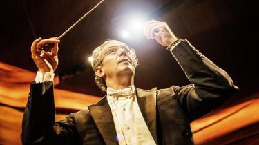 Fabio Luisi, DR SymfoniOrkestrets chefdirigent, ledte opførelsen med et eminent overblik og en kolossal glød.