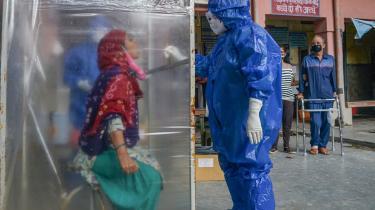I weekenden passerede Indien fire millioner bekræftede tilfælde af COVID-19 og har nu overhalet Brasilien på andenpladsen over nationer med flest smittede – kun overgået af USA.
