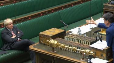 Labours Ed Miliband rasede i parlamentet mandag, hvor han rejste tvivl om, hvorvidt premierminister Boris Johnson overhovedet havde læst loven.