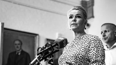 Ikke alene var der problemer med juraen, da forhenværende udlændinge- og integrationsminister Inger Støjberg i februar 2016 beordrede adskillelse af asylpar. Nu viser det sig, at der også er problemer med den praksis, som gælder i dag