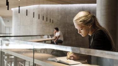 Siden 2009 er antallet af årsstuderende på universiteterne steget med 31 procent. Men midlerne til universiteterne er langt fra steget tilsvarende.