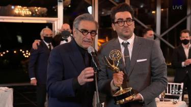 'Shitt's Creek' blev den helt store vinder under weekendens Emmy Awards. Serien modtog ni statuetter – herunder samtlige seks i comedy-afdelingen.