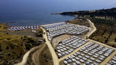Efter at Moria-lejren på Lesbos udbrændte, er der i al hast blevet etableret en ny lejr til at huse flygtninge og migranter.