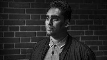 »Jeg læser langt mere faglitteratur end fiktion. Når man er vokset op på Blågårds Plads, er der rigeligt med socialrealisme i hverdagen,« siger Sikandar Siddique.