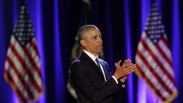 Barack Obamas kommende memoirer, A Promised Land, har et førsteoplag på ikke mindre end tre millioner eksemplarer og har ryddet den litterære kalender. Her klapper præsidenten af sine tilhængere efter sin afskedstale den 10. januar 2017.