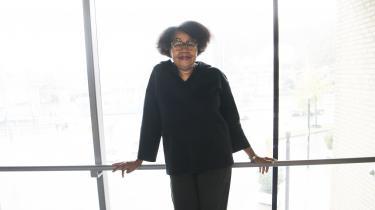 Jamaica Kincaid kunne være en oplagt kandidat til dette års Nobelpris i Litteratur. Hun skriver autofiktive romaner om opvækst på Antigua og om en ung caribisk piges møde med New York og den amerikanske middelklasses livsformer.