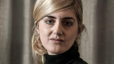 Der kan være en styrke i ikke at nævne overgrebsmandens navn i sager om sexchikane, mener den svenske journalist Matilda Gustavsson, der i 2017 afslørede Sveriges Harvey Weinstein og fik Det Svenske Akademi til at slå revner