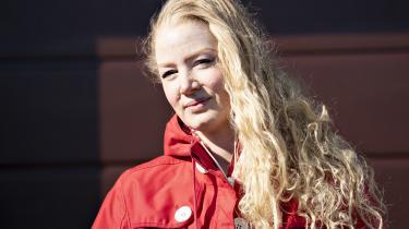 Synsvinklen er i samtlige Sanne Søndergaards noveller placeret hos kvinder, mens skylden for de elendige relationer er spredt jævnt ud over persongalleriet.