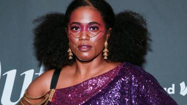 Den nigerianske forfatter Akwaeke Emezis debutroman, Freshwater, blev i 2019 nomineret til Women's Prize for Fiction og skabte dermed historie, eftersom Emezi dermed blev den første transkønnede forfatter til at være på kortlisten til denne pris.