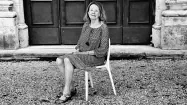 Med kortromanerne 'Min far' og 'Kvinden', der lige er udkommet på dansk, befæster franske Annie Ernaux, at hun transformerer sit eget liv til stor, europæisk litteratur om klassesamfund, modernitet og tab