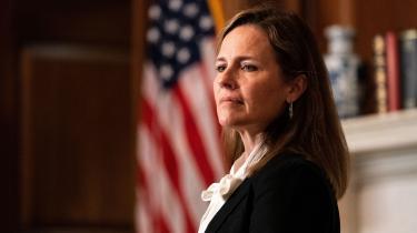 Coney Barrett, som Trump har udpeget til at blive den næste højesteretsdommer, er katolik. Hun har sagt, at hendes tro ikke kommer til at påvirke hendes forpligtelser som dommer. Men hun har også sagt til jurastuderende, at de skal »holde sig for øje, at deres grundlæggende formål i livet ikke er at være advokater, men at kende, elske og tjene Gud«.