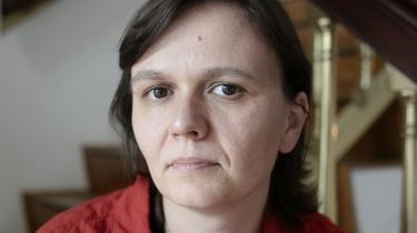 Polens præsident mener, at LGBT er en ideologi – og at den er farligere end kommunismen. De statsejede medier kalder LGBT-personer »pædofile«, og knap en tredjedel af landet hører under såkaldt 'LGBT-frit område'. LGBT-aktivisten Mirosława Makuchowska tror ikke på en positiv udvikling. Hun kæmper blot for, at det ikke bliver værre
