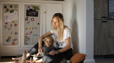 Hvis vi vil problemet med sexisme til livs, skal vi fordele magten mellem mænd og kvinder mere ligeligt. For eksempel ved at gøre arbejdspladserne langt mere familievenlige og fleksible for dem, der har børn. Det er afgørende at få ændret på den kultur, der kun anerkender dem, der ikke har forpligtelser på hjemmefronten, skriver dagens kronikør.