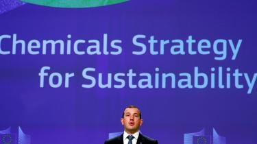 Den nye progressive EU-strategi på kemikalieområdet, som miljø-, hav- og fiskerikommissær Virginijus Sinkevicius fremlagde onsdag i denne uge, er en rigtig god nyhed. Men kampen er kun lige begyndt, skriver Mathias Sonne i denne leder.