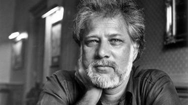 Canadiske Michael Ondaatje (med både srilankansk og engelsk baggrund) er en mester i stemninger. Det har han tidligere vist i bookerprisvinderen 'Den engelske patient'.