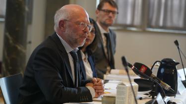 Tirsdag den 20. oktober præsenterede Det Økonomiske Råd vismandsrapporten Dansk Økonomi, efterår 2020 i Festsalen på Nationalmuseet i København. I rapporten anbefaler rådet blandt andet, at finanspolitikken ikke skal lempes yderligere. Det kan man dog sætte spørgsmålstegn ved, mener økonom Jeppe Druedahl.