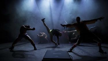 Black Box Dance Companys 'Punk – A rebel never dies' indeholder en lang række virkelig fine scener, hvor de seks dygtige dansere udfolder sig og viser alsidigheden i genren.