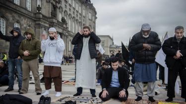 »I virkeligheden fungerer Vesten som et beskyttet værksted for muslimer, hvor de kan lege islam, uden at det har de store konsekvenser. Blandt andet fordi dansk lov holder islams værste ideer nede,« skriver Christian Marcussen i denne kronik, der er en reaktion på en kronik af talsmanden for Hizb ut-Tahrir, der holder fredagsbøn på Christiansborg Slotsplads i marts 2019.