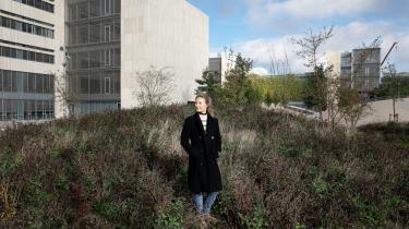 Marie Meier er ph.d.-studerende på Københavns Universitet og er en af dem, der er berørt af forsinkelse på grund af coronakrisen og dermed manglende finansiering, som tidligere beskrevet i Information. Derfor er der brug for en større økonomisk håndsrækning end den, den seneste hjælpepakke lægger op til, skriver journalist Louise Schou Drivsholm i denne leder.