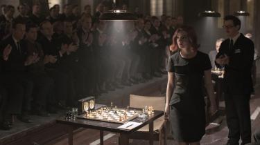 Anya Taylor-Joy spiller hovedrollen som skaktalentet Beth Harmon.
