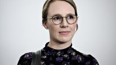 Miljøminister Lea Wermelin blev orienteret om skandalen allerede den 30. oktober, men alligevel skulle der altså gå flere dage, før det var belejligt at give den oplysning videre til offentligheden.