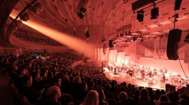 147 musikere, sangere og andre fra den klassiske musikverden – både mænd og kvinder – har skrevet under på et kort brev, hvor de tilkendegiver, at den klassiske musik »står sammen i ønsket om et opgør mod sexisme, magtmisbrug og krænkende adfærd«. Samtlige danske orkestre og ensembler har også tilkendegivet deres støtte til brevet.