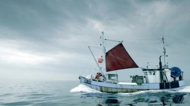 Syv kommuner i Nordjylland er nedlukket, hvorfor kulturredaktionen mindes landsdelen gennem otte af deres foretrukne kulturproduktioner. Blandt andet 'Klumpfisken', hvor en trængt tredjegenerationsfisker fra Hirtshals portrætteres.