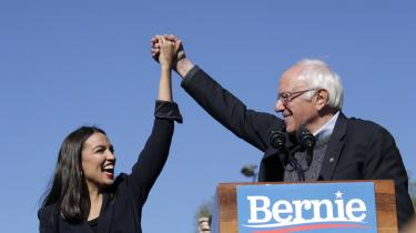 Erfaringen fra det demokratiske primærvalg og Bidens manglende opbakning fra arbejderklassevælgere ved præsidentvalget viser, at hvis demokraterne vil appellere stærkere til disse vælgergrupper, må de følge Sanders' eksempel, mener dataanalytiker Ben Davies, der var en del af Bernie Sanders' kampagne.