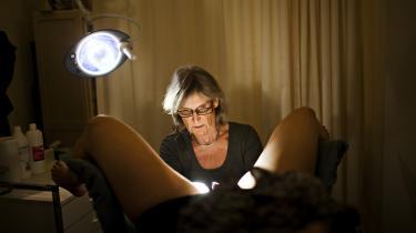 Charlotte Wilken-Jensen, der er faglig rådgiver i Sex og Samfund og ledende overlæge i gynækologi og obstetrik på Hvidovre Hospital, forstår ikke helt den »hormonforskrækkelse«, som hun ser afspejlet hos mange af de kvinder, hun vejleder i valg af prævention.
