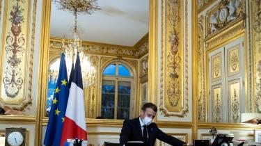 Man forstår godt, at den franske præsident Emmanuel Macron er vred på de angelsaksiske medier over den bias, som særligt amerikanske aviser har udvist i dækningen af Frankrigs kamp mod den islamiske terrorisme.