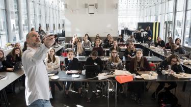 Når fokus igen og igen bliver rettet mod de ressourcestærke piger, skyldes det mediernes og meningsdannernes trang lette svar på komplekse problemer, mener Noemi Katznelson. Arkivfoto fra programmeringskursus for kvinder på IT-Universitetet.