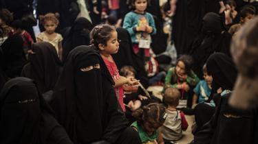 »Det må gentages, at børnene naturligvis har menneskerettighedskonventionernes krav på ikke at blive gjort skyldige i forældrenes eventuelle lovbrud,« skriver Søren Juul Nielsen i denne kommentar om børnene i flygtningelejrene al-Roj og al-Hol i Syrien.