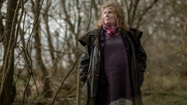 Gudrun Victoria Gotved er vølve og bekender sig til den nordiske asatro. Hun tror, at vi gennem en mere spirituel forbindelse til naturen kan løse klima- og miljøproblemerne. Vi har besøgt hende på hendes offerplads ved slægtsgården i Sønderjylland