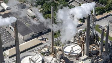 Aalborg Portland er en af de store danske virksomheder, som er kritiske over for regeringens forslag til en energiafgift i stedet for en bred CO2-afgift.