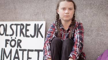 Dokumentarfilmen om Greta Thunbergs kamp for at skabe opmærksomhed omkring klimaforandringerne viser både hendes sårbarhed, forbilledlige styrke og den store pris, hun betaler, og som ingen voksne synes villige til at risikere. De vil bare have en selfie med hende. Det er en film, der fortjener hele verdens opmærksomhed, ligesom Greta Thunberg selv