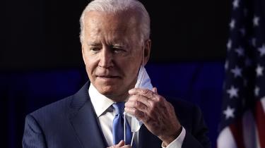Joe Biden bør ikke lave en håndsrækning til republikanerne, i et forsøg på at skabe politiske kompromiser hen over midten. Det vil resultere i en fastholdelse af status quo for sorte amerikanere, mener Eddie Glaude, leder af afroamerikanske studier ved Princeton University.