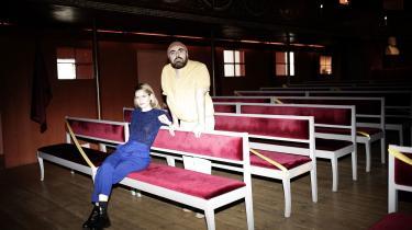 Liv Helm og Sargun Oshana vil som ledere af henholdsvis Husets Teater og Teater Grob gerne gøre op med den tradition, der er etableret her på Hofteatret (der i dag huser Teatermuseet), hvor teatret var underholdning for kongen. De ønsker at teatret skal have samme væsentlighed som i lande, der har oplevet revulotioner.